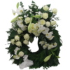 Elegant vit krans med vita orchideer